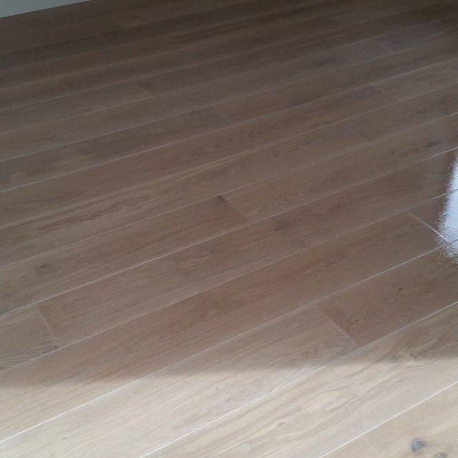 planken vloer schuren en lakken3.jpg